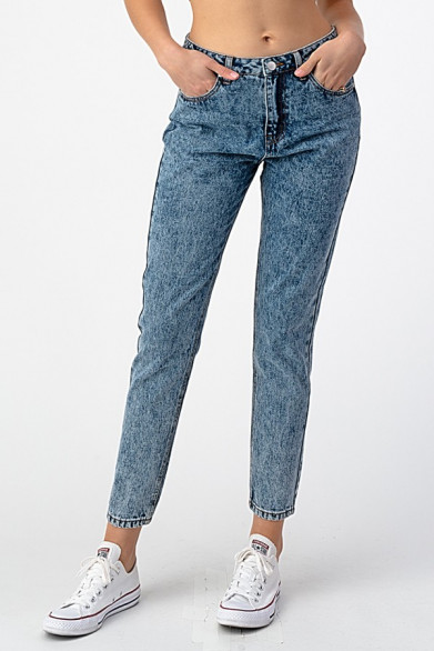 Mom jean taille haute effet...