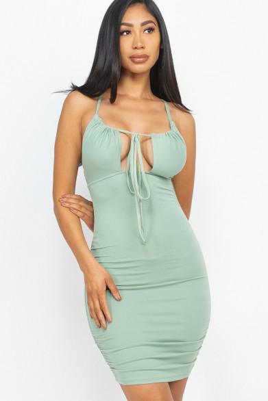 robe froncé nouée devant